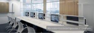 Mehrere vernetzte Computer-Arbeitsplätze