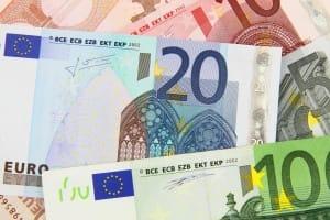 Euroscheine - Für Einbruchschutz Maßnahmen gibt es Geld von der KfW als Kredit oder Zuschuss